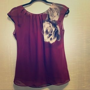 Sleeveless purple top and cami set